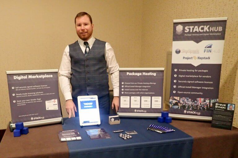 Steve manning the StackHub stand at SkyPosium 2018
